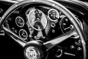 Aston Martin DB6 speedometer